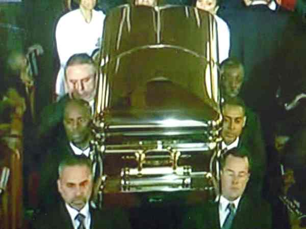 20 Steve Jobs Body In Casket Pictures And Ideas On Weric