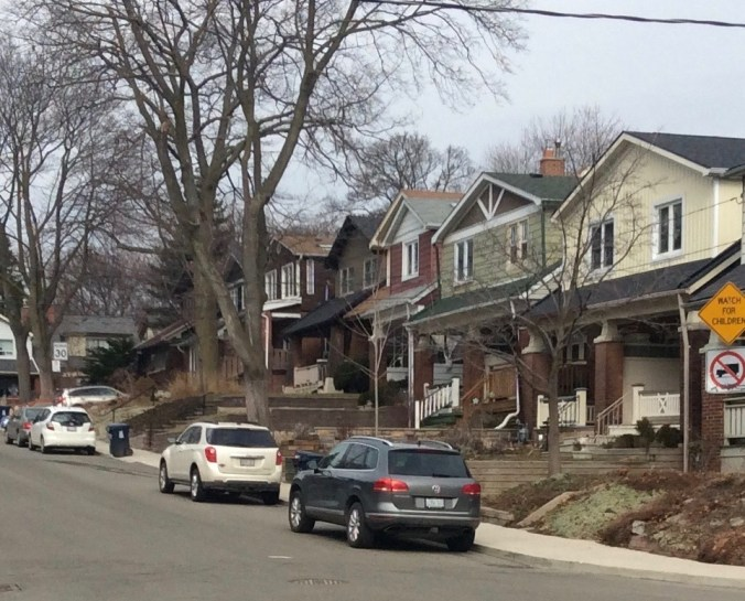 Detached and semi-detached Toronto bungalows in crime story setting