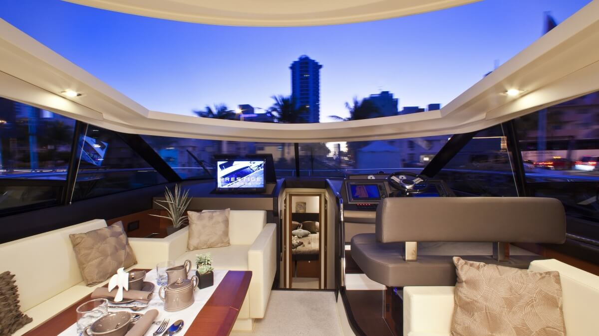 luxury-yachts-prestige_500_s_13057224125int_gallery