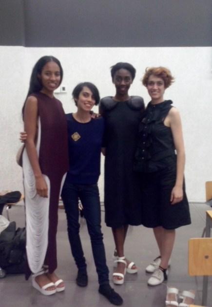 Fitting Premios Modafad. Con Almudena Díaz y las modelos Natalia Kingue y Sheila Arranz Algarabel