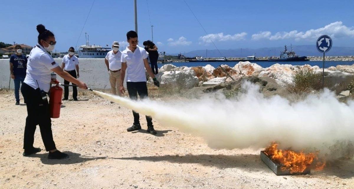 Çeşme Marina'da Uygulamalı Yangın Tatbikatı