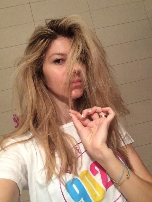 Ξυπνάς & το μαλλί δείχνει κάπως έτσι...