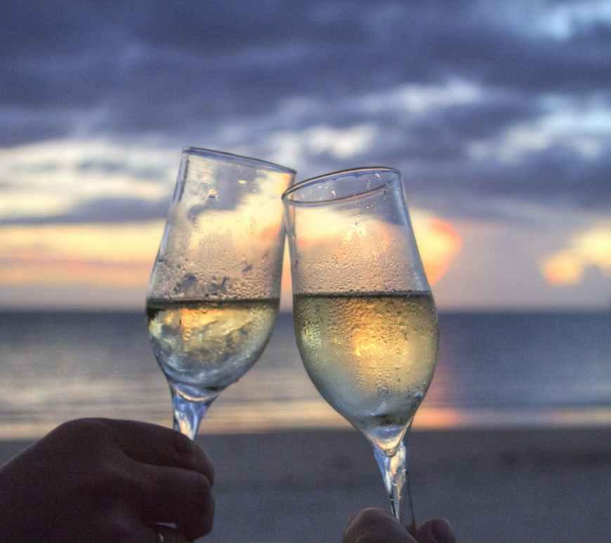 summer vacations, καλοκαίρι, καλοκαιρινές διακοπές σχέση, εσύ και εγώ, εντάσεις, προβλήματα σχέσεων το καλοκαίρι, συμβιβασμός, συγκρούσεις, διαφωνίες, απόλαυση, παράπονα,