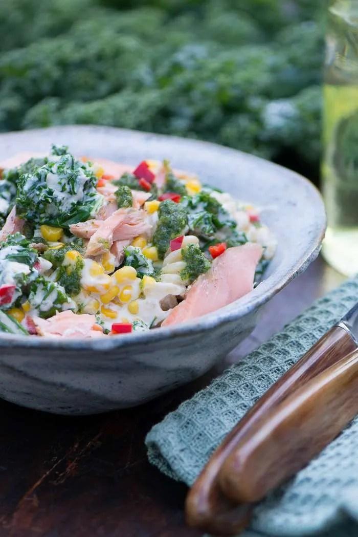 Opskrift på pasta med laks og grønkål | Marinas mad
