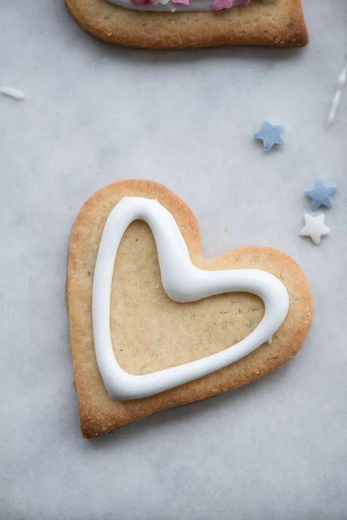 Opskrift. Hvid glasur til småkager.