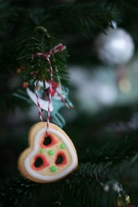 Spiselig pynt til juletræet. Her småkager