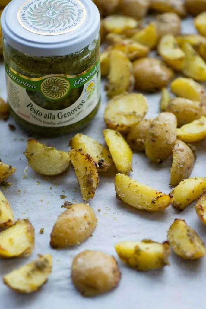 Ovnbagte kartofler med pesto