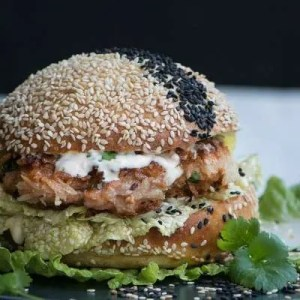 Lækker asiatisk burger fra Marinas Mad