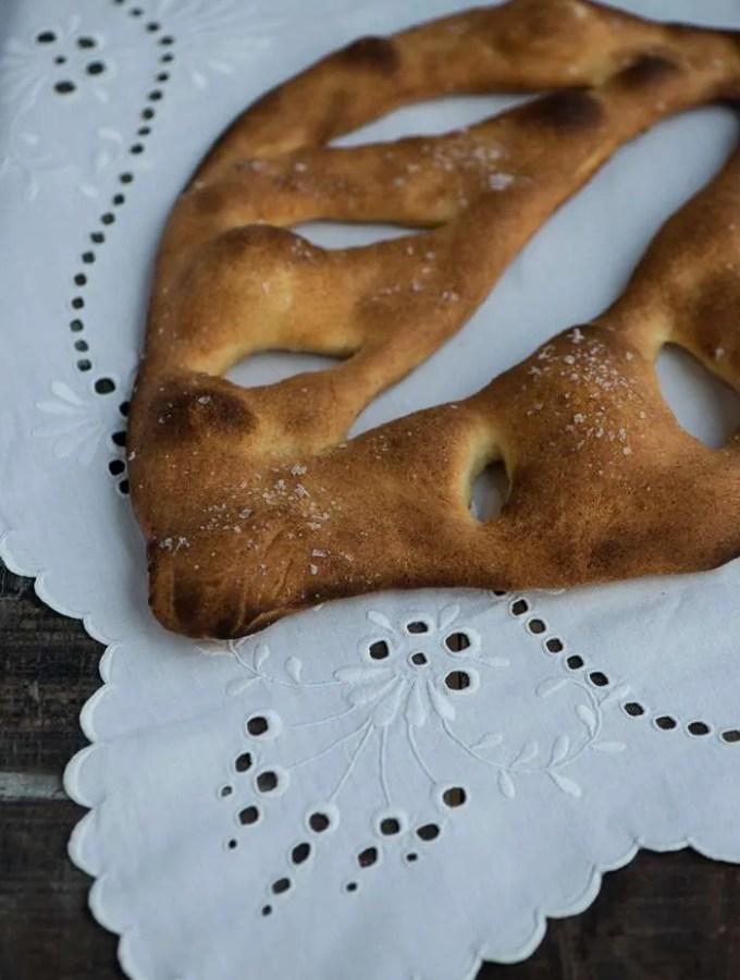 Opskrift på det smukke franske fougasse brød