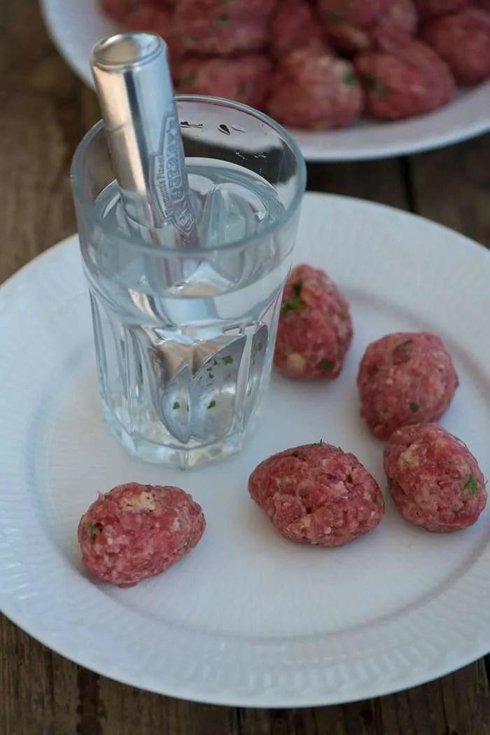 Sådan laver du kødboller. Opskrift fra Marina Mad