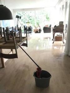 Hverdagsglimt med gulvvask