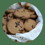 Småkager med lakrids og tranebær opskrift