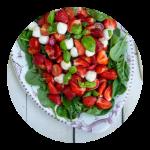 Opskrift på jordbærsalat med basilikum og mozzarella