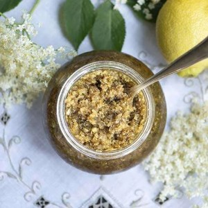 Opskrift på syltede hyldeblomster med citron