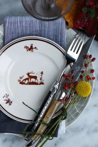 Bordet er dækket til hyggelig efteårsmoad