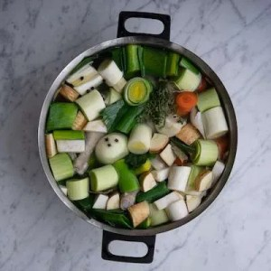 Hønsekødssuppe tilsat alle grøntsagerne