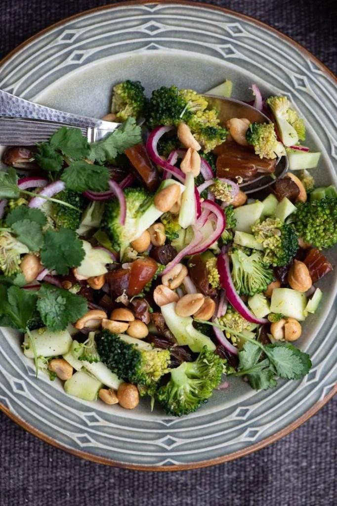 opskrift på brocolisalat