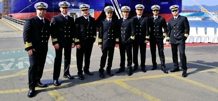 How to start a career in merchant navy