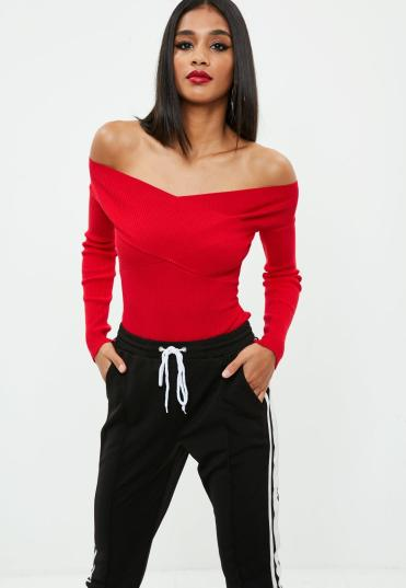 pull-rouge-tricot--col-bateau
