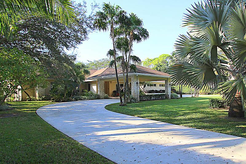 8440 SW 114 ST MIAMI FL $1,287,500 (SOLD)