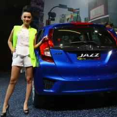 Kekurangan All New Yaris Trd Grand Kijang Innova Luxury Captain Seat Honda Jazz Vs Toyota Compare And 015