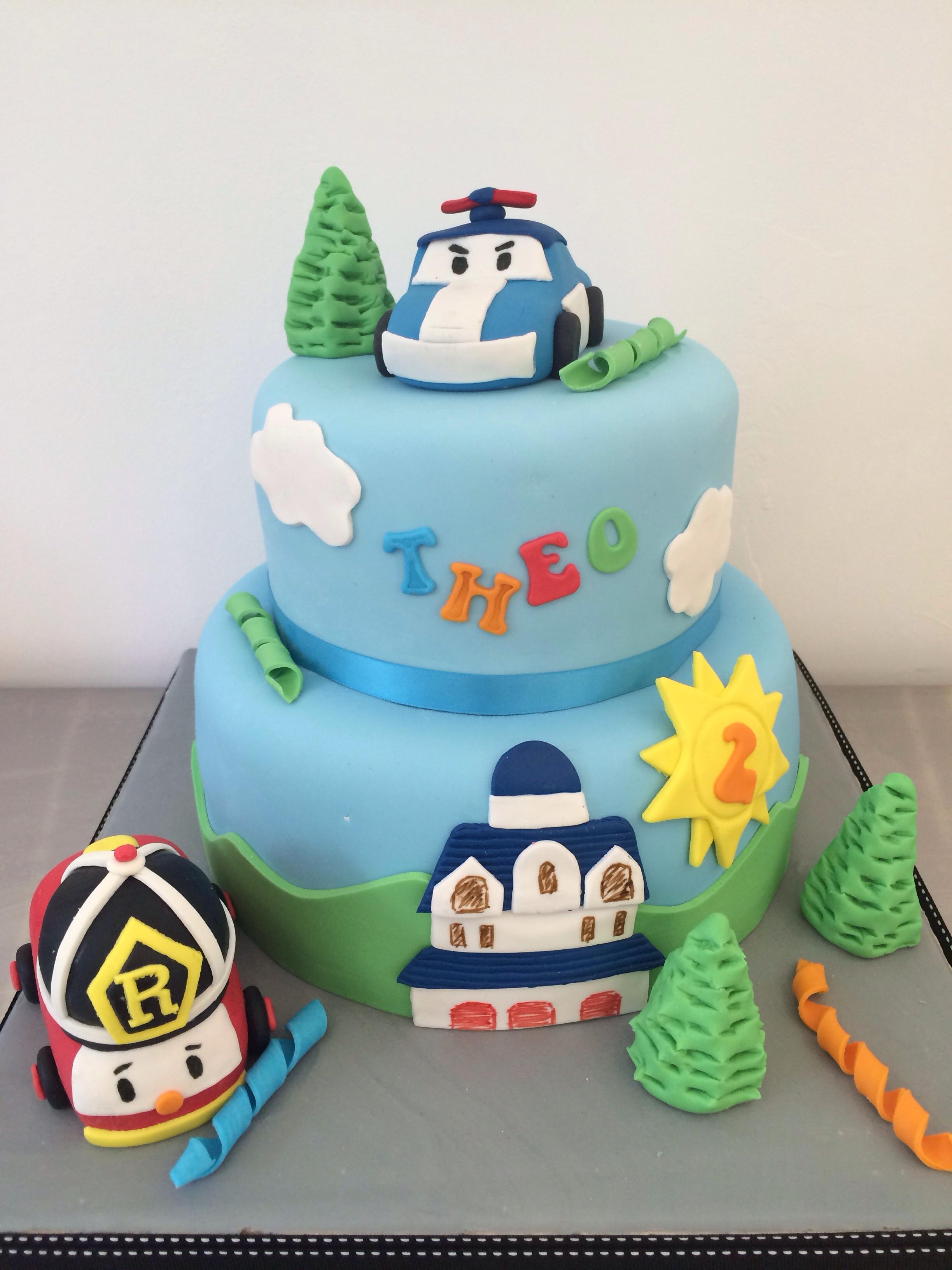 G 226 Teau Robocar Poli Marion Magic Cake