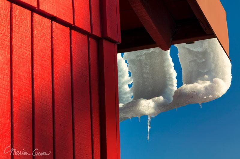 roof, gutter, red, barn, snow, melting