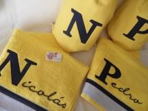 conjunto de mochila y toalla infantil personalizada