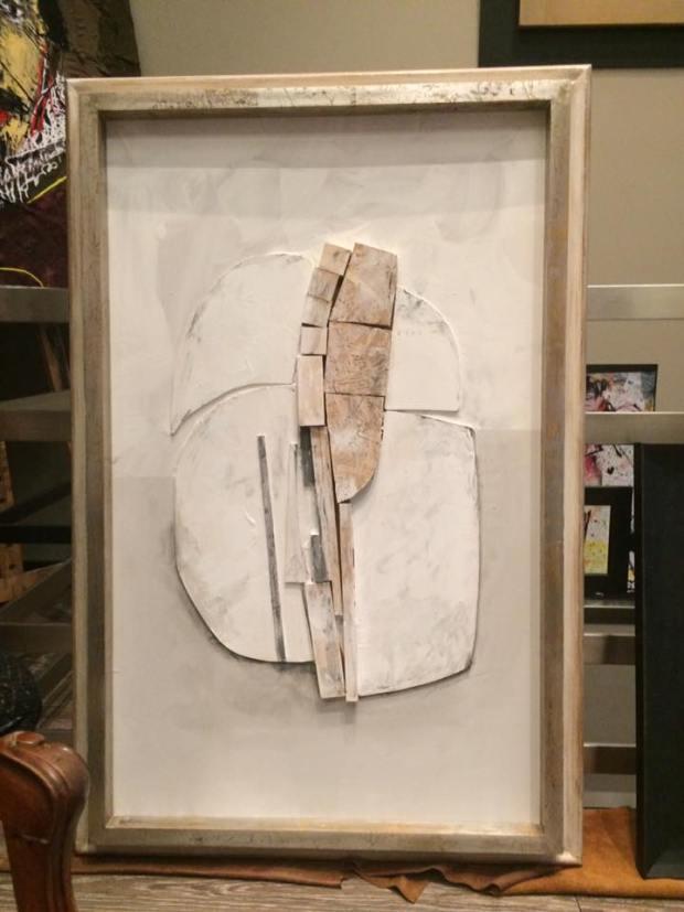 pieza de madera que cobra protagonismo con un bello marco