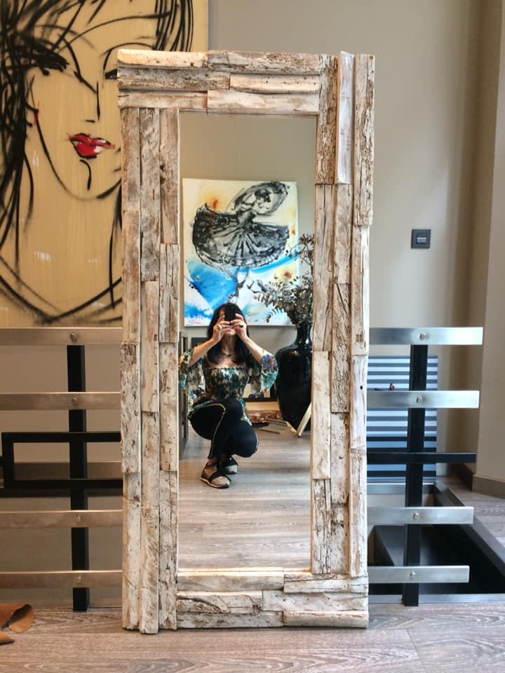 Una preciosa pieza de madera recuperada a espejo