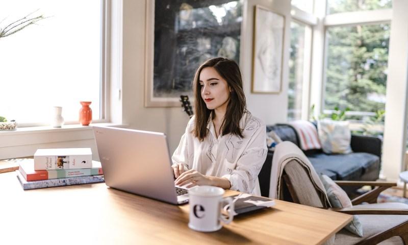 confident women creating SEO-friendly articles