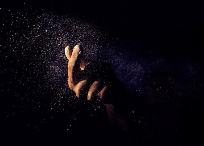 dust_fingersnap