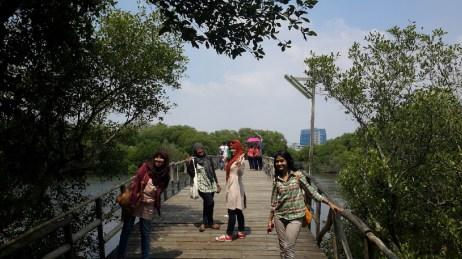 Jembatan super terik di siang hari