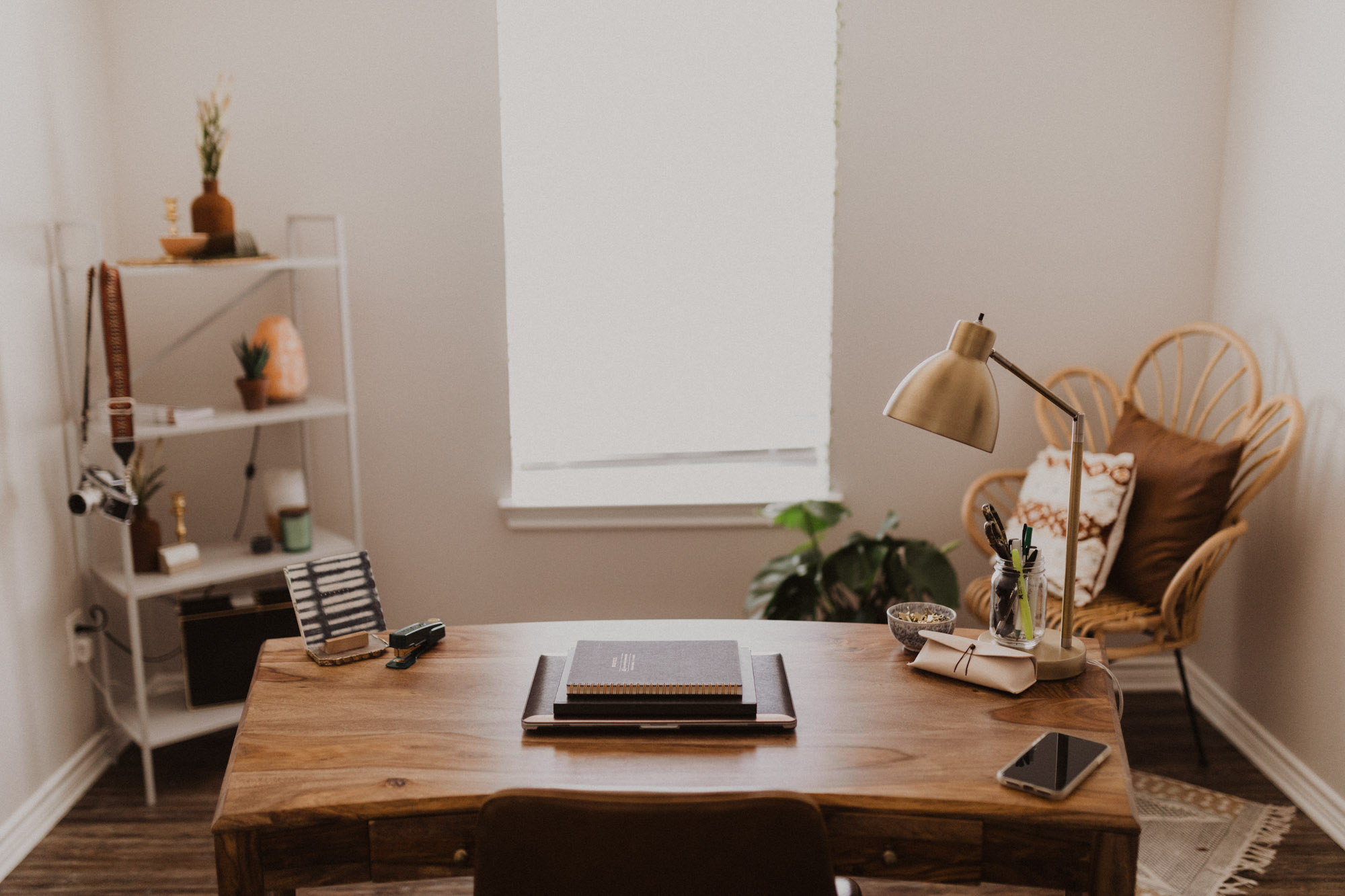 an awesome desk in a home office