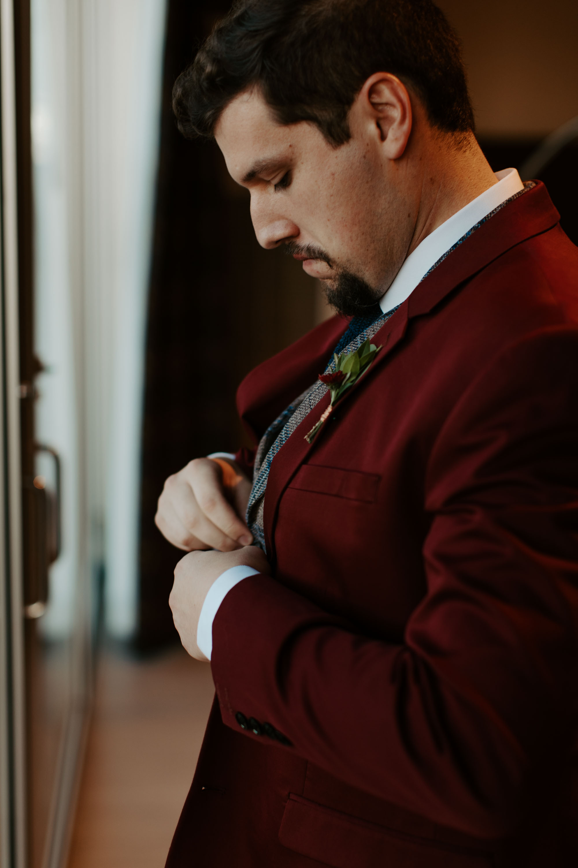 Groom getting ready photos in Dallas texas