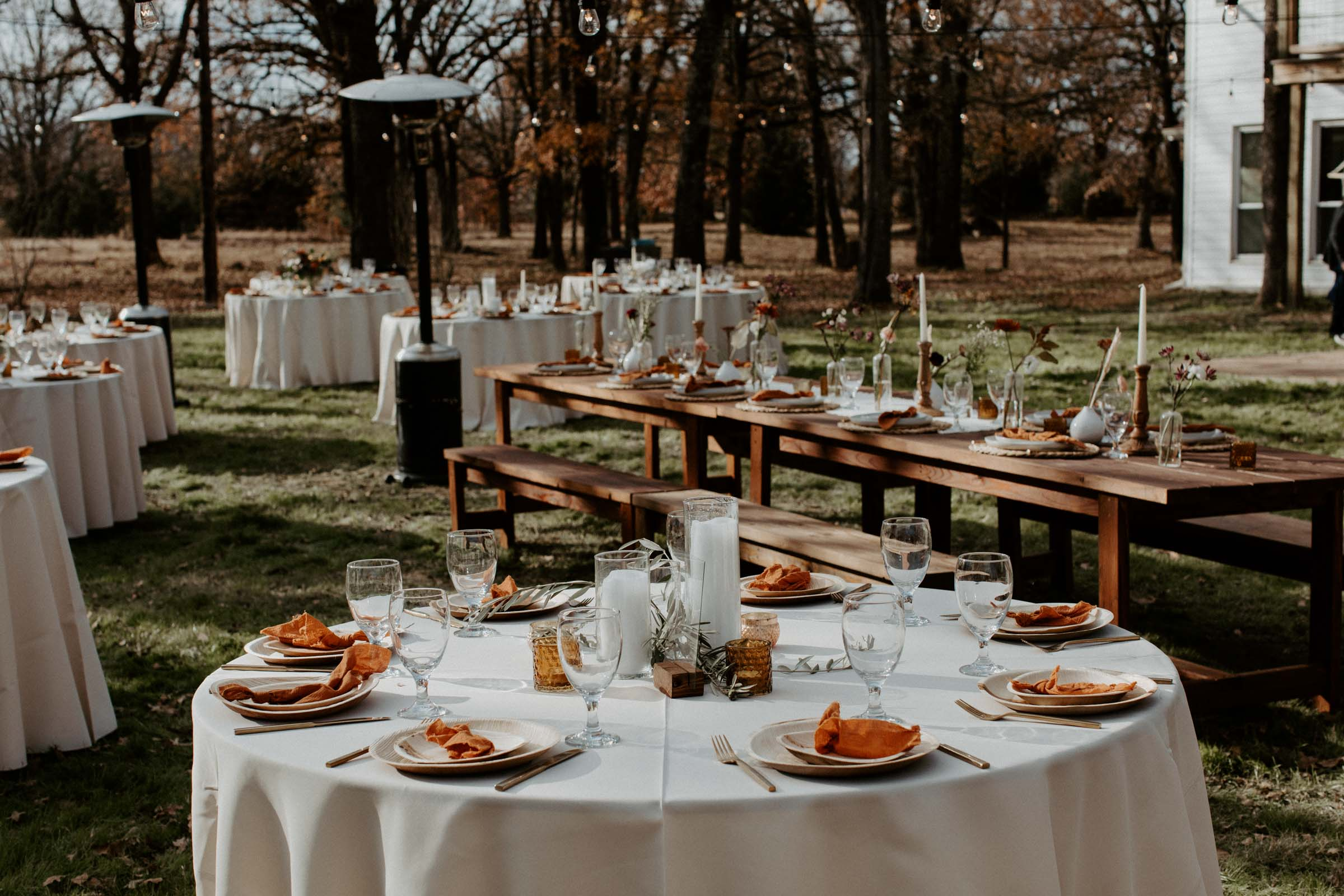 Beautiful outdoor boho table arrangements for wedding day in Fort Worth