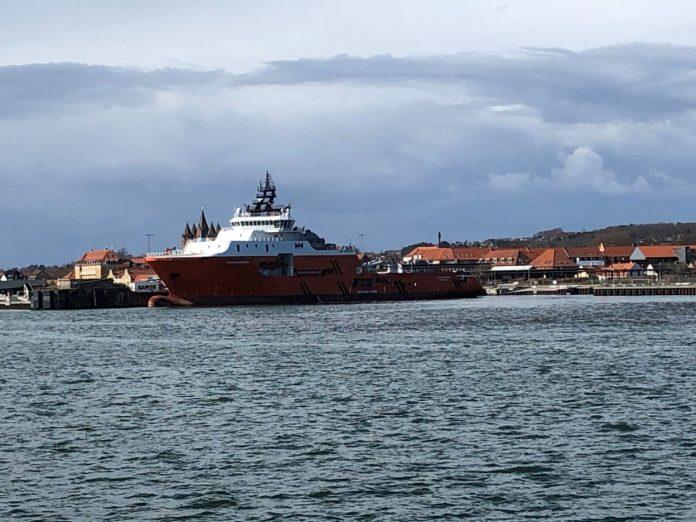 Massive offshore-skibe præger sjællandsk havn