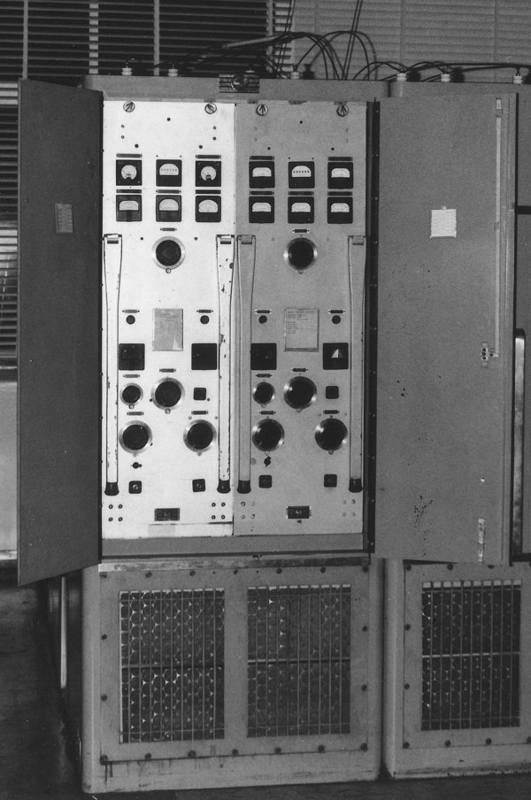 RCA transmitter (945) of about 4kW CW. Used four 833 valves in a parallel push-pull configuration.