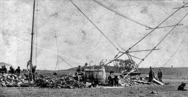 Raising a radio mast at the Chatham Islands. Photo is undated, but probably 1913.