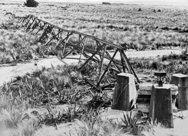 The fallen tower at Awarua Radio ZLB