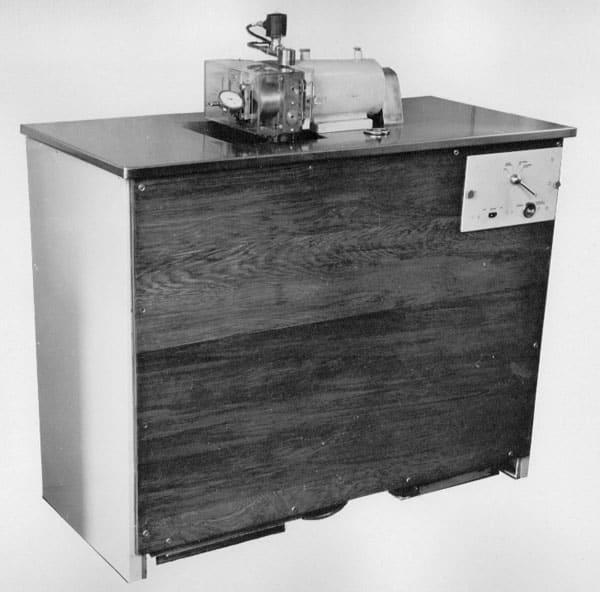 Crystal grinding machine