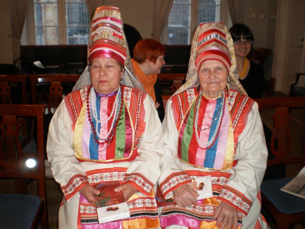 Эрзянки из Ардатово на празднике в Эстонии. Фото: Fenno-Ugria