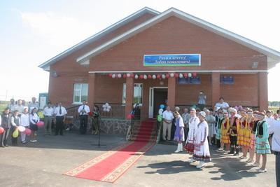 Церемония открытия новой школы