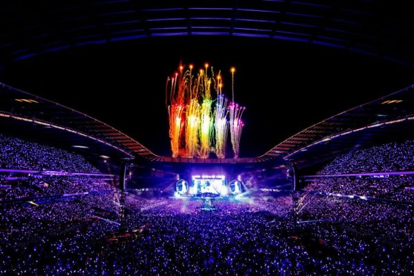 review film coldplay: a head full of dreams