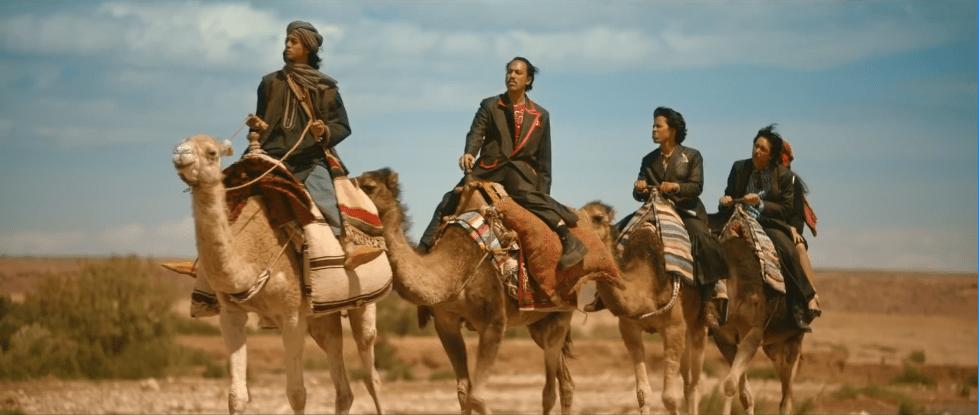 Warkop DKI di padang pasir menaiki onta