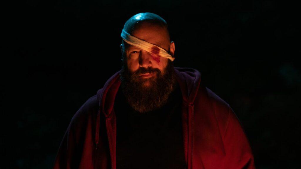 Kevin James sebagai penjahat dalam film Becky