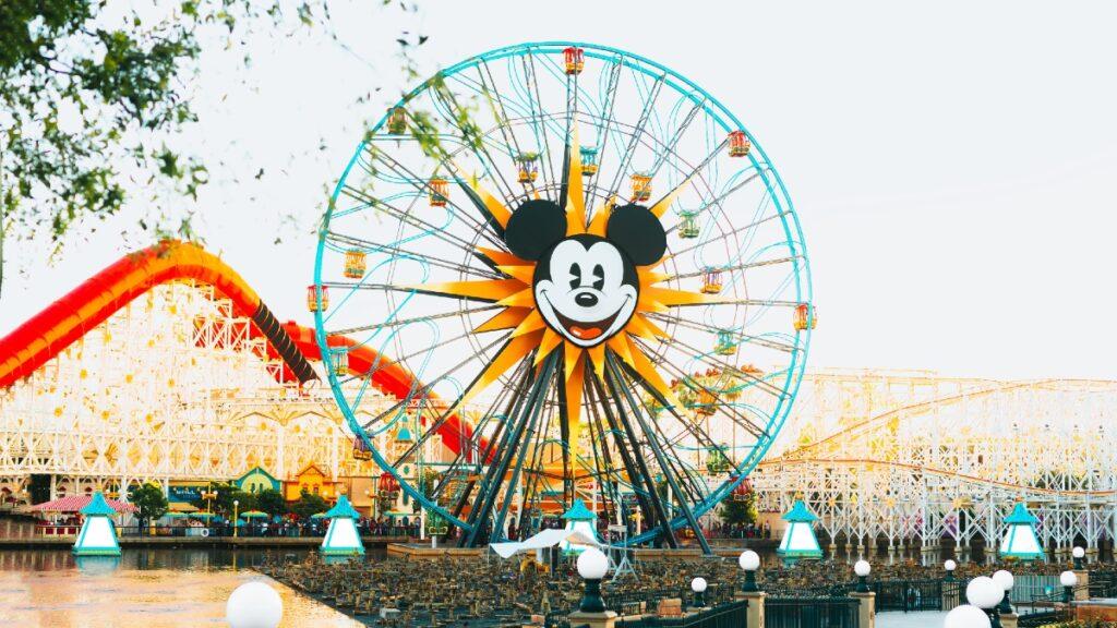 tyler-nix-kxvo-c2GhwQ-unsplash (1) Rich Brian dan Disney