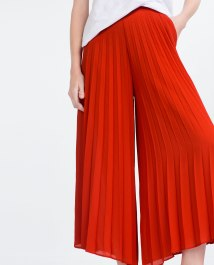 08 RED PLEATS