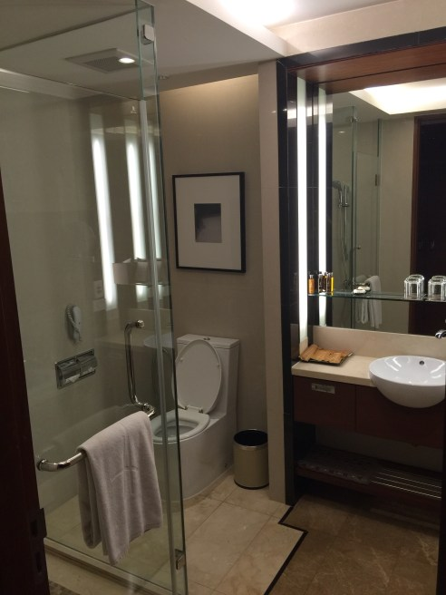 hotel bathroom - Aetas Lumpini Bangkok - Gate 1 Travel