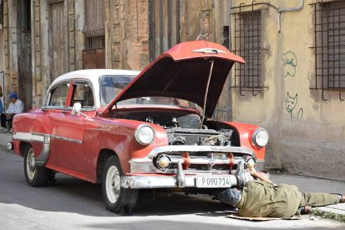- Cuba Cruise - I LOVE Cuba photo tours - working on a vintage car
